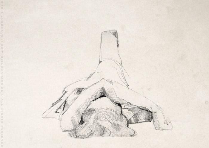 Aktzeichnung von Friederike im Liegen mit einem Arm über dem Gesicht