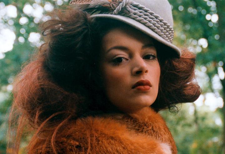 Outfit Rotfuchs mit Hut aus der Jagdfieber Mode Kollektion nach historischer Frauenjagdkleidung und der Kleidung von Jägerinnen zur Jagd von Iris Luckhaus