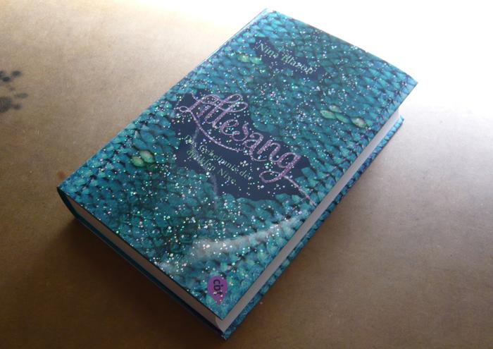 Fotos vom Umschlag des Lillesang Buchs
