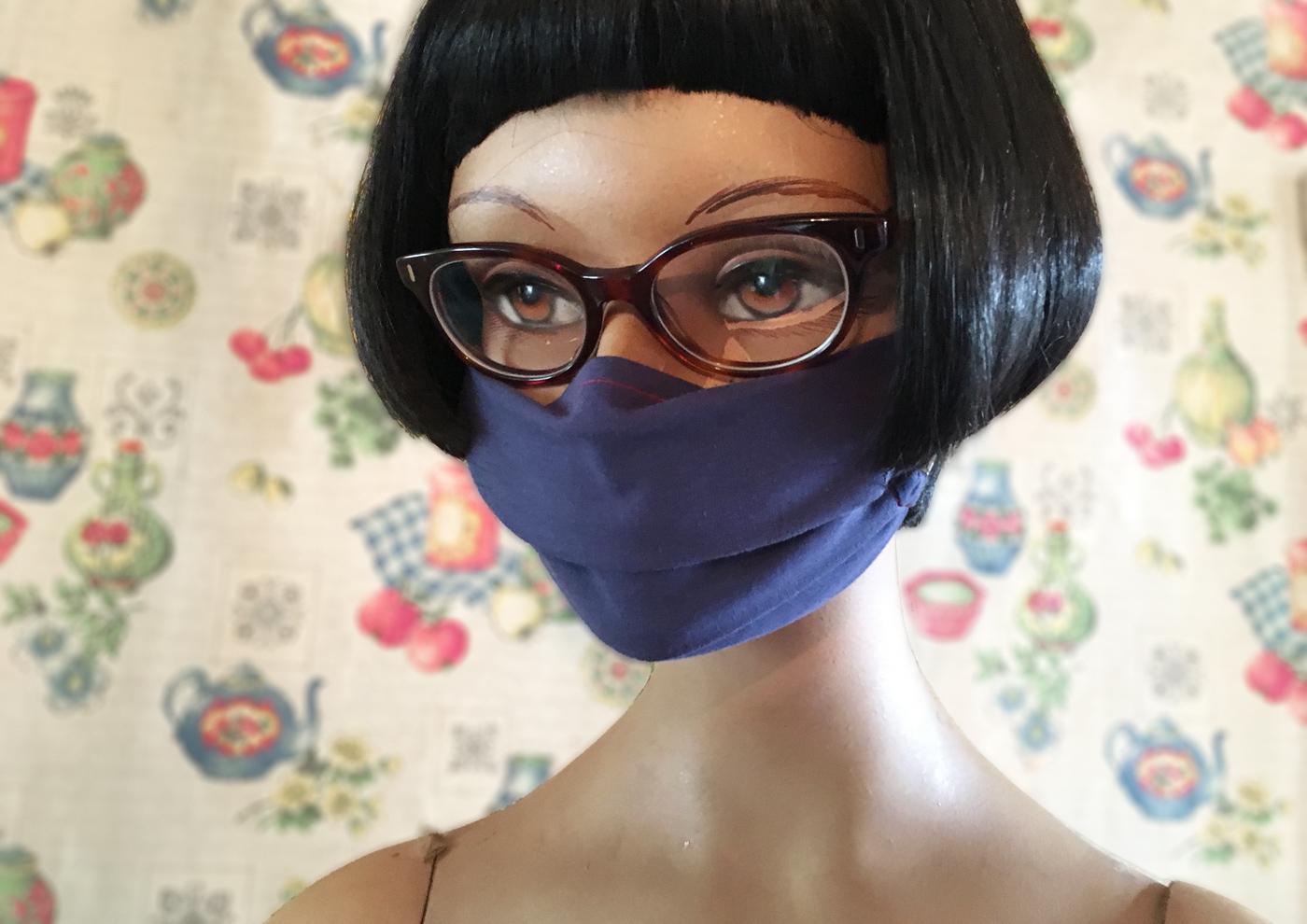 Anleitung, Tutorial und Schnittmuster für eine Hybrid Stoffmaske, Behelfsmaske, Mundmaske oder Alltagsmaske mit Anleitung und Schnittmuster von Iris Luckhaus