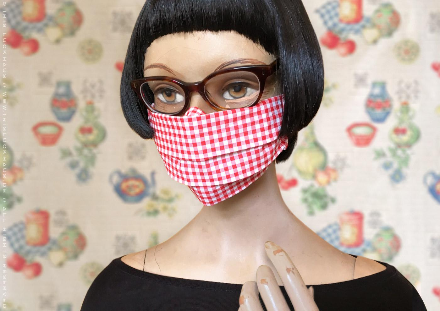 Optimierte Hybrid-Maske, Behelfsmaske, Alltagsmaske, Mundmaske oder Mund-Nase-Maske, Papiermaske oder Notfallmaske zum Selberbasteln ohne Nähen mit Anleitung, Schnittmuster und Schablone zum Basteln mit Servietten, Tacker, Papierhandtuch, Papiertaschentuch und Gummiring von Iris Luckhaus