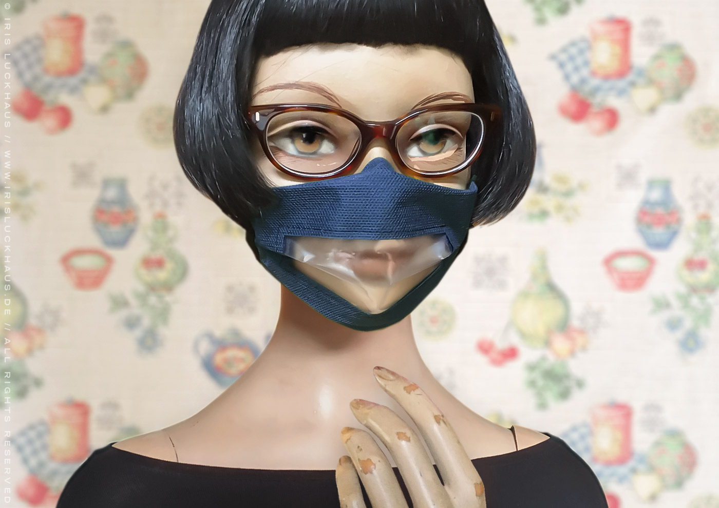 Luckhaus Hybrid Mask, face mask, cloth mask or face covering to sew or make with instructions, cutting pattern and templates, gapless and no fog for glasses wearers and hearing impaired and lip readers, window mask or smile mask, non-slip and breathable thanks to a reverse fold or nose fold, with nose piece or nose wire, pleats, filter opening and side channels or casings for ear loops or head ties by Iris Luckhaus