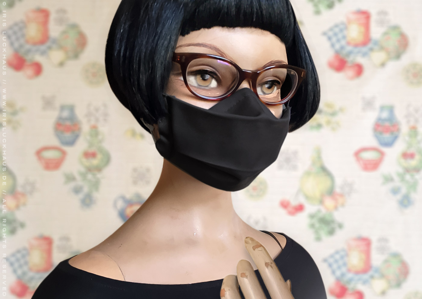 Luckhaus Hybrid Mask, face mask, cloth mask or face covering to sew or make with instructions, cutting pattern and templates, gapless and no fog for glasses wearers, non-slip and breathable thanks to a reverse fold or nose fold, with nose piece or nose wire, pleats, filter opening and side channels or casings for ear loops or head ties by Iris Luckhaus