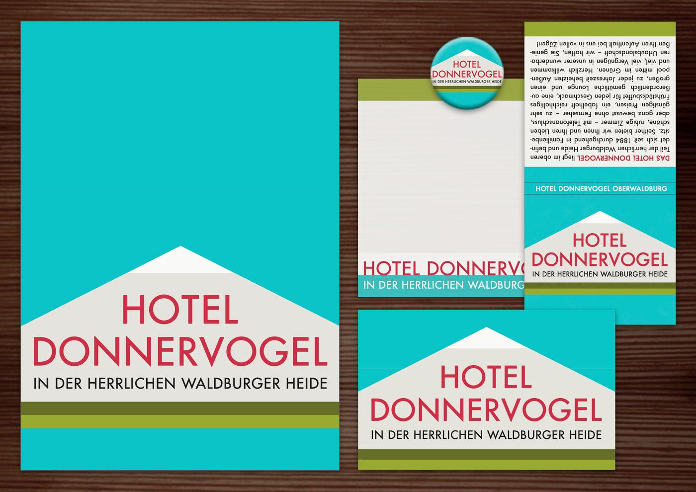 Corporate Identity, Logo und Grafik Design für Werbung, Schilder, Poster, Postkarten, Flyer, Notizblock, Visitenkarten, Streichholzbriefchen und Buttons für Lily Lux Hotel Donnervogel in den Bergen